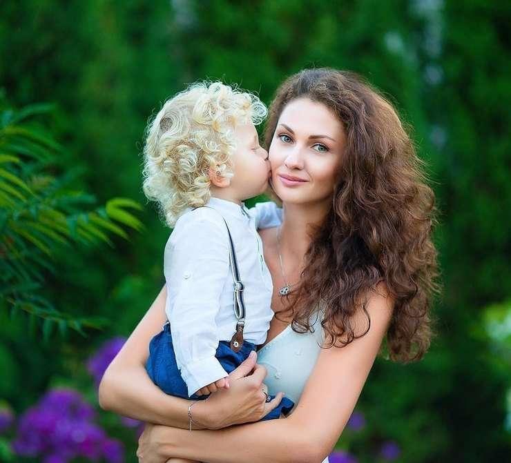 «Неужели хоть одна натуральная»: в Сети восхищаются красотой жены Игоря Акинфеева
