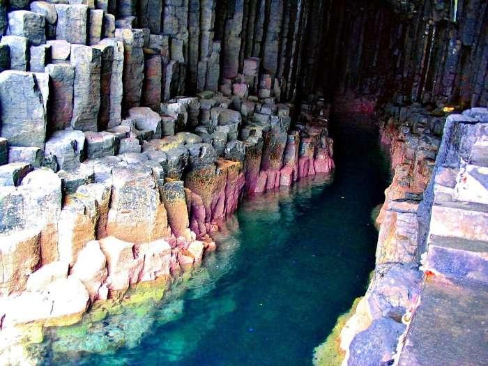 Поющая пещера Фингала