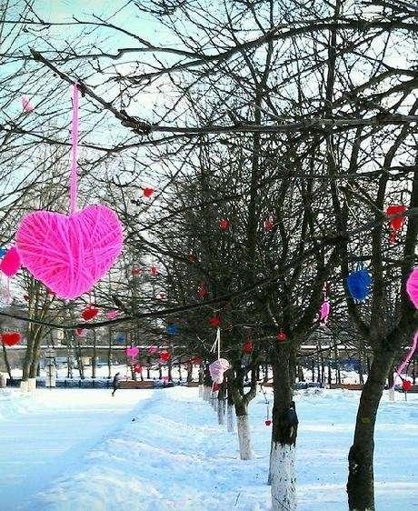 Аллею вязаных сердец откроют в парке Кузьминки