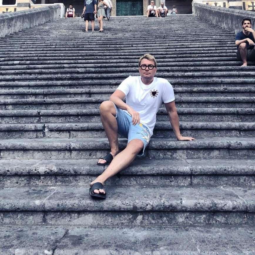 «А как же Виктория?»: Николай Басков заинтриговал романтическими приключениями в Италии