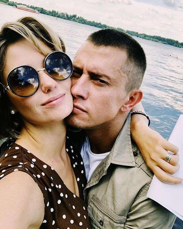 Муцениеце и Прилучный переехали из загородного дома в московскую квартиру