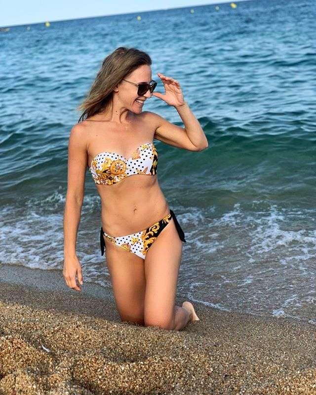 Юлия Ковальчук уехала на море и похвасталась плоским животом