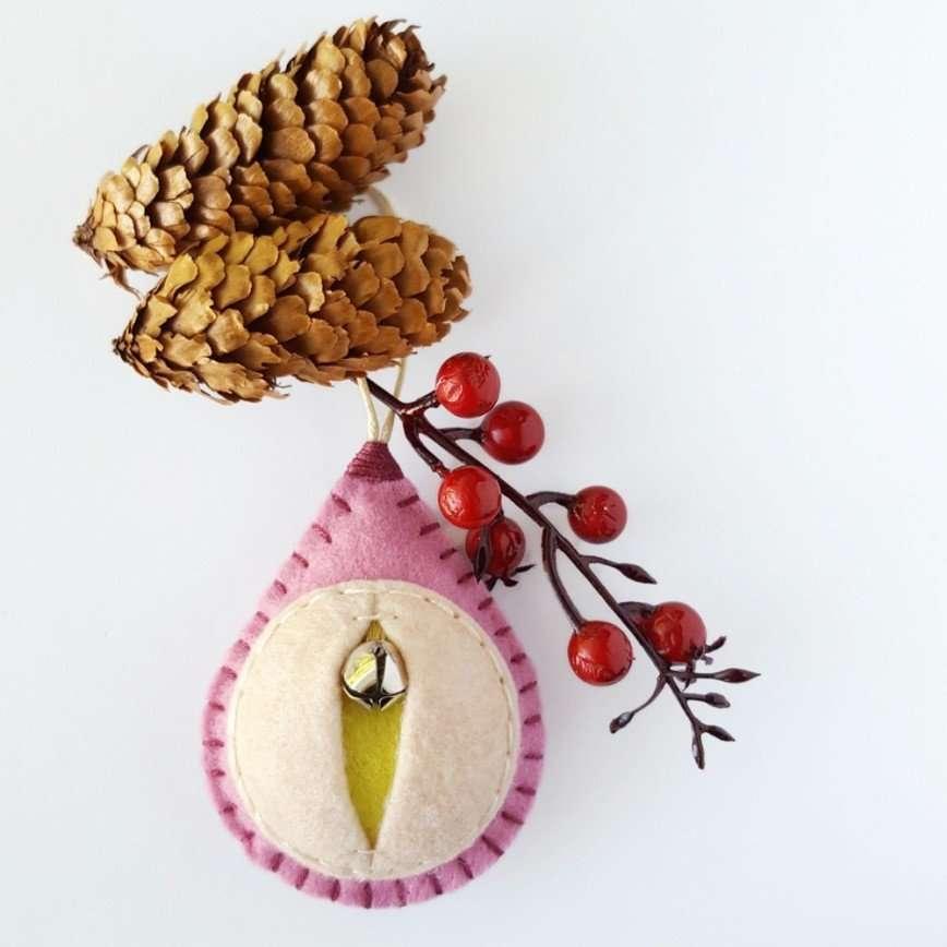 Новогодние вагины, или Как креативно украсить елку